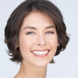 Dayana Mendoza Headshot