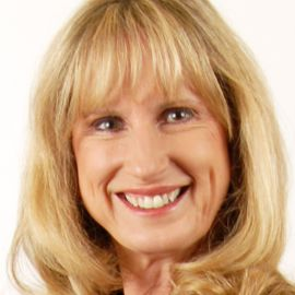 Vicki Sanderson Headshot