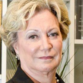 Linda Rabbitt Headshot