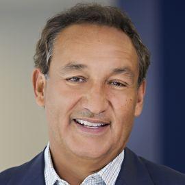 Oscar Munoz Headshot