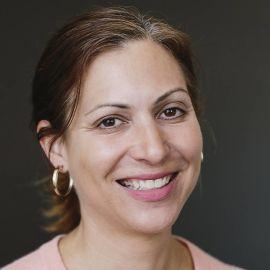 Lara Bazelon Headshot