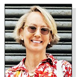 Suzanne Donaldson Headshot