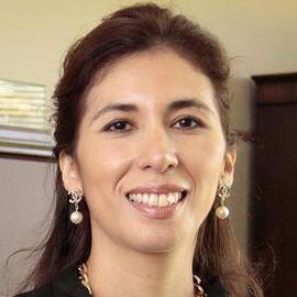 Maria Lensing Headshot