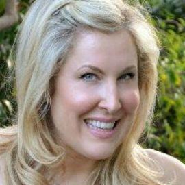 Heidi Ferrer Headshot