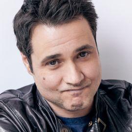 Adam Ferrara Headshot