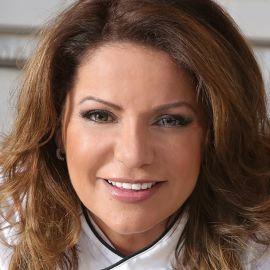 Chef Lala (Laura Diaz-Brown) Headshot