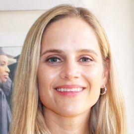 Elizabeth Dearborn Hughes Headshot
