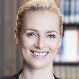 Elisabeth Wehling Headshot