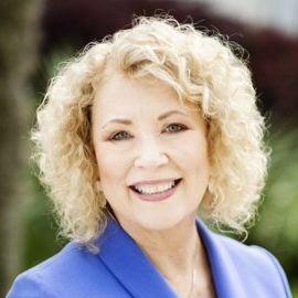 Karyn Buxman Headshot