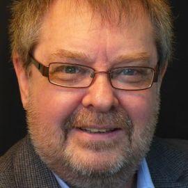 Steve Wells Headshot