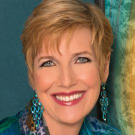 Dr. Judith Wright Headshot