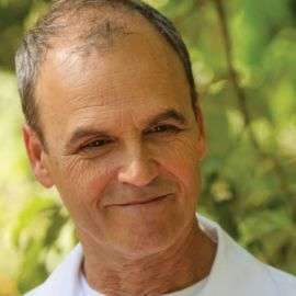 Scott Turow Headshot