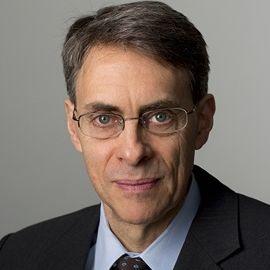 Kenneth Roth Headshot