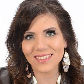 Melissa Ohden Headshot