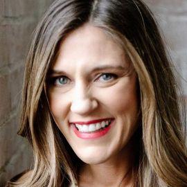 Amy Jo Martin Headshot