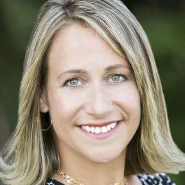 Phyllis Fagell Headshot