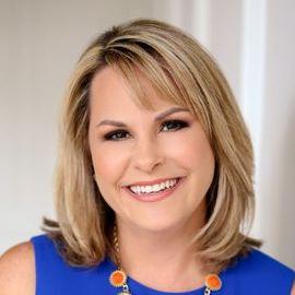 Kim Becking Headshot