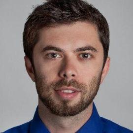 Ilya Pozin Headshot
