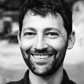 Daniel Streicker Headshot