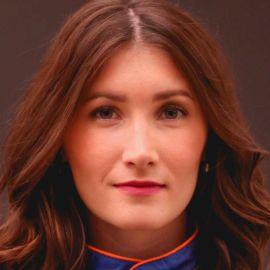 Julia Landauer Headshot