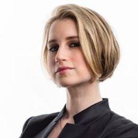 Rebecca Brachman Headshot